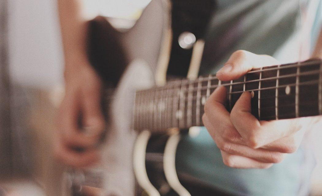 La guitare : un instrument de musique qui s'apprend